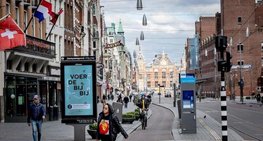 Hollanda, Kovid-19'la mücadele kapsamında 'insanları dijital takibe almayı' planlıyor
