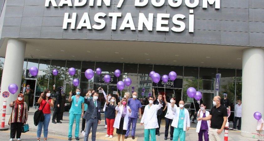 Dünya Jinekolojik Onkoloji Günü'nde mor balonlar gökyüzü ile buluştu