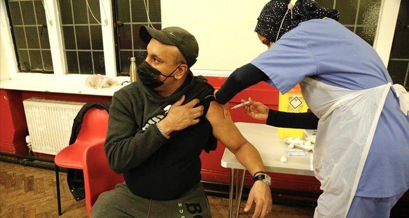 İngiltere'de Kovid-19 aşıları 112 binden fazla ölümü önledi