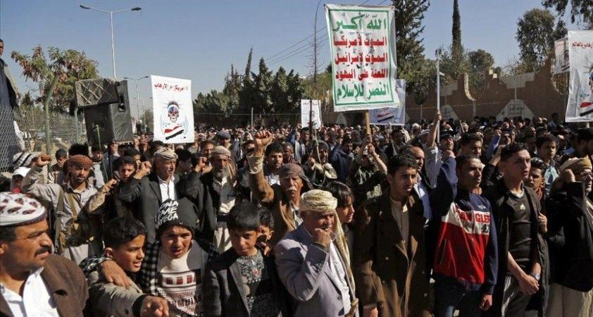 ABD'nin terör listesine alacağını duyurduğu Husiler kararı protesto etti