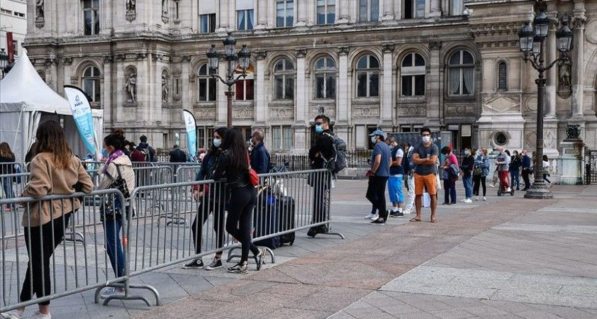Fransa'da son 24 saatte 10 bin 569 Kovid-19 vakası tespit edildi