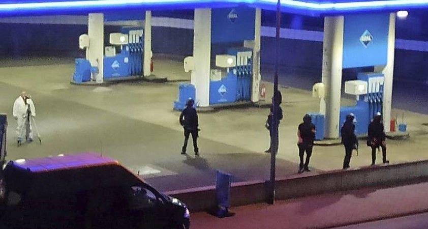 Maske takmak istemeyen kişi, kendisini uyaran benzin istasyonu kasiyerini başından vurarak öldürdü