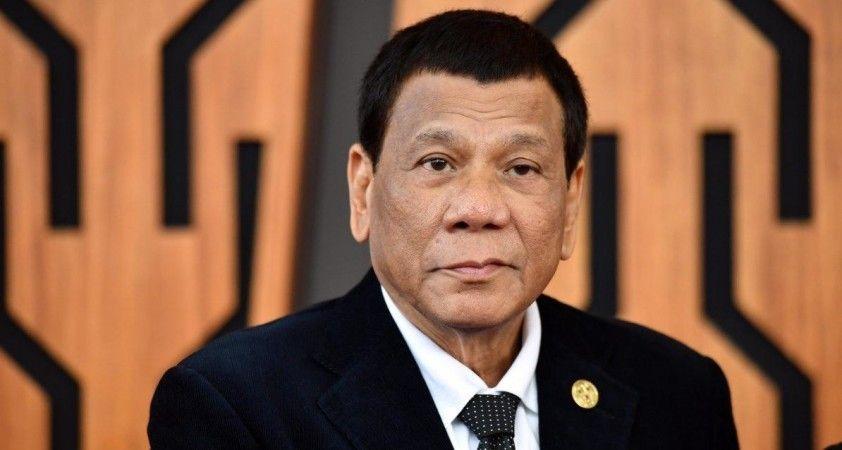 Filipinler Devlet Başkanı Duterte: 'Ya aşı olursunuz ya da sizi hapse atarım'
