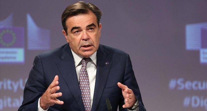 Avrupa Komisyonu Başkan Yardımcısı Schinas: Türkiye olası göç akını için doğru mesajlar veriyor