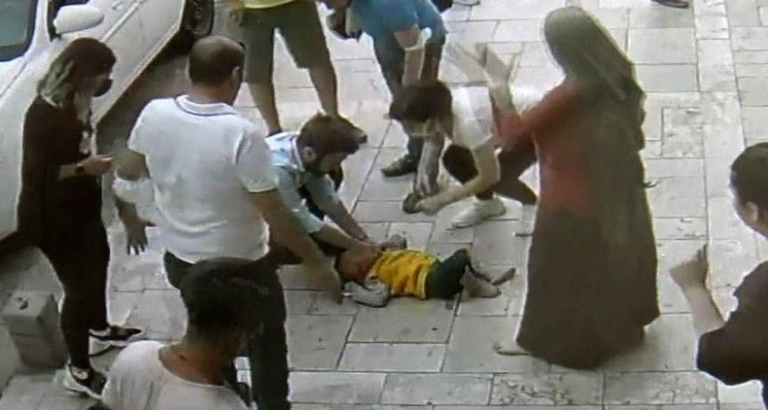 Aldığı eğitimin sayesinde 3. kattan zemine çakılan bebeği hayata döndürdü