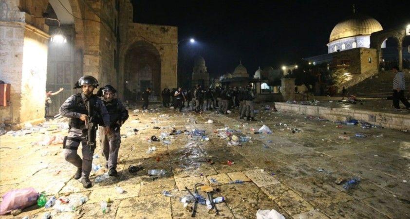 Pakistan, İsrail'in Mescid-i Aksa'da ibadet edenlere yönelik saldırısını şiddetle kınadı