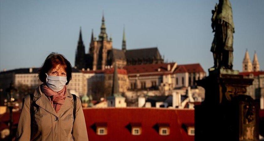 Çekya'da günlük vaka sayısı 15 bine yaklaştı