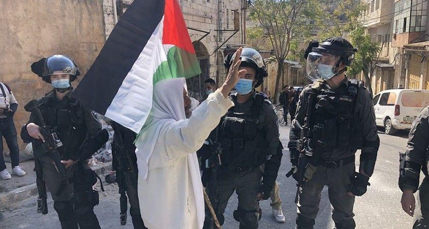 Filistin'de İsrail askerleri, İbrahim Camii Katliamı'nı anma gösterisine baskın düzenledi