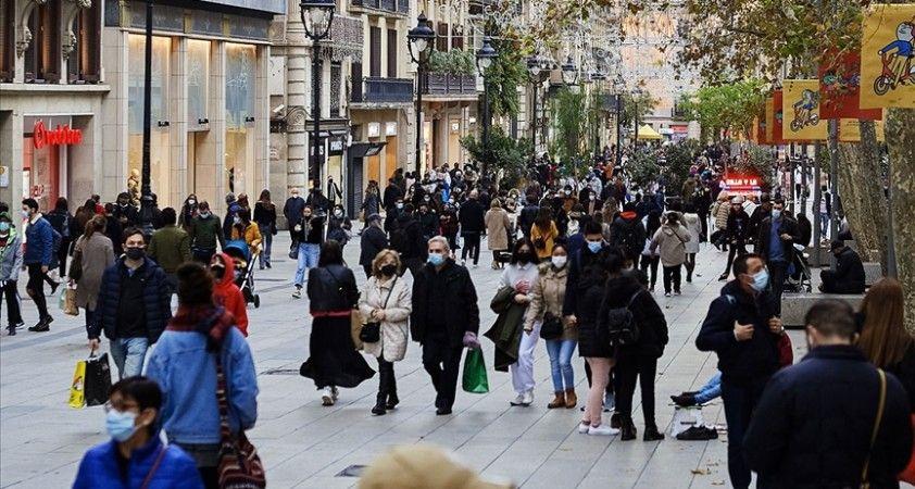 Dünya genelinde Kovid-19 vaka sayısı 95 milyonu geçti