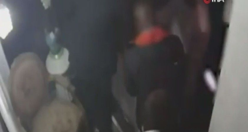 Fransa'da ırkçı polis şiddeti kamerada