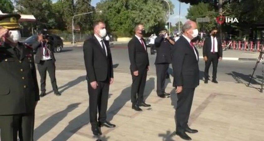 KKTC Cumhurbaşkanı Tatar, Atatürk, Dr. Fazıl Küçük ve TMT anıtlarına çelenk koydu