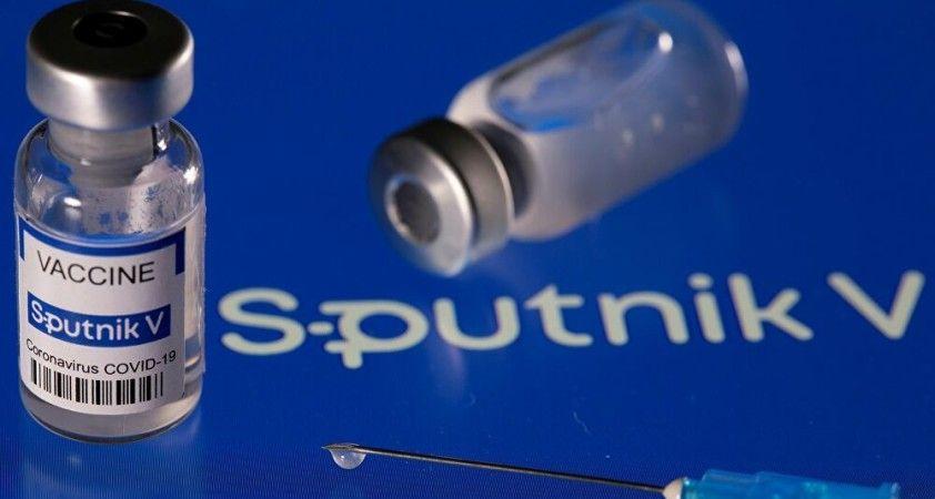 AB, Sputnik V aşısını yaptıranların EMA veya DSÖ onayından sonra giriş yapabileceklerini umuyor