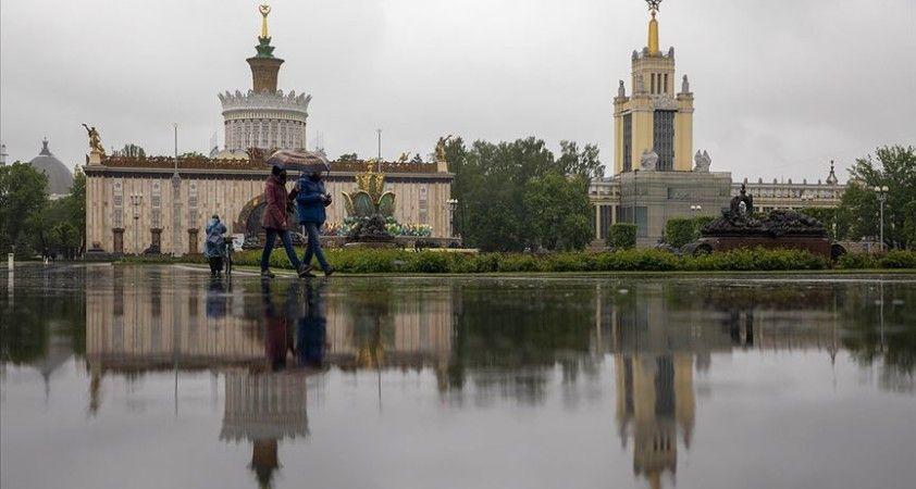 Rus bütçesinin Kovid-19 tedbirleri nedeniyle kaybı 1 trilyon rubleyi aştı