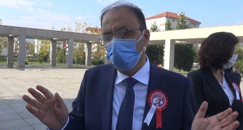 Korona virüs nedeniyle karantinada kalan Vali vatandaşları böyle uyardı