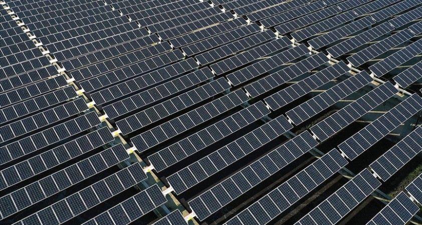 Güneş enerjisi kapasitesinde yıllık bazda artışın 2021'de yüzde 100'ü aşması bekleniyor