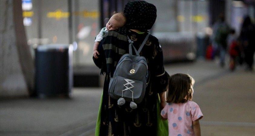 ABD'deki askeri üslerde bekletilen Afgan mültecilerin yaklaşık yarısı çocuk