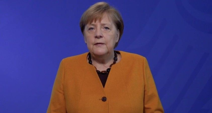 """Merkel: """"Kış zor geçecek, ama bitecek"""