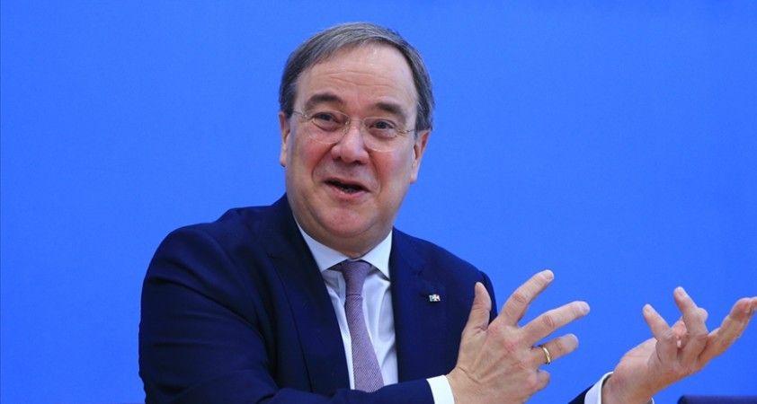 CDU Genel Başkanı seçilen Laschet, Başbakan Merkel'in halefi olma yolunda