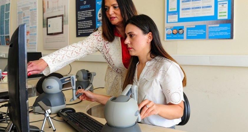 Türkiye'de bir ilk, endoskopik cerrahi eğitimi simülasyon ortamına taşındı