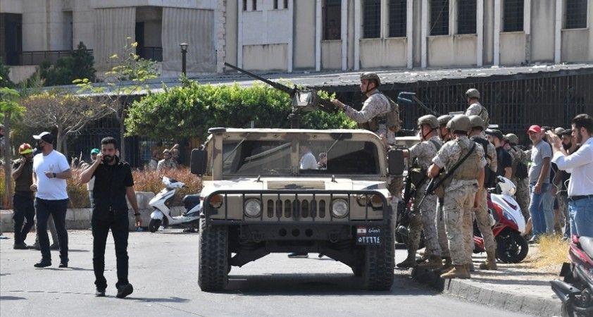 Lübnanlılar zor yaşam koşullarından kurtulmak için ülkelerini terk ediyor