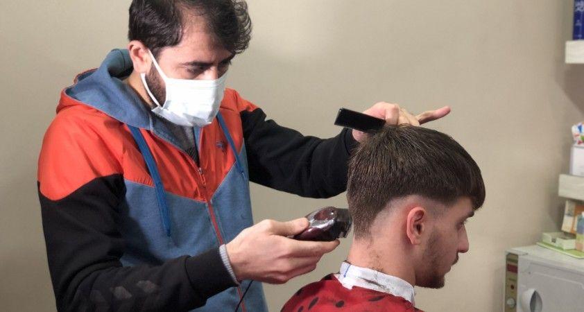 Berberler 'evde tıraş'tan muzdarip