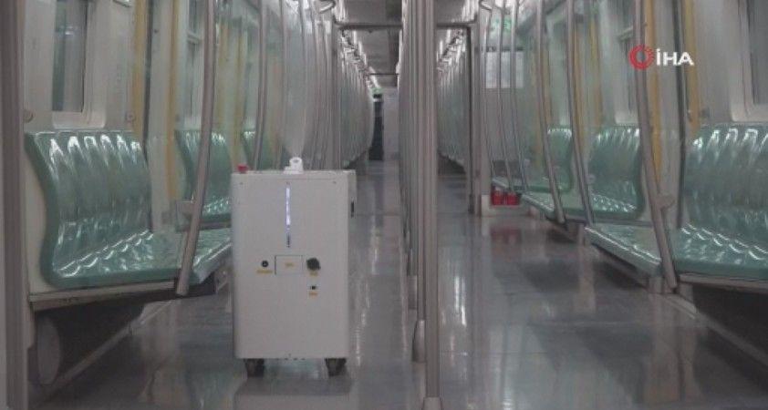Çin'de robotlar, metrolarda dezenfektasyon için görev başında
