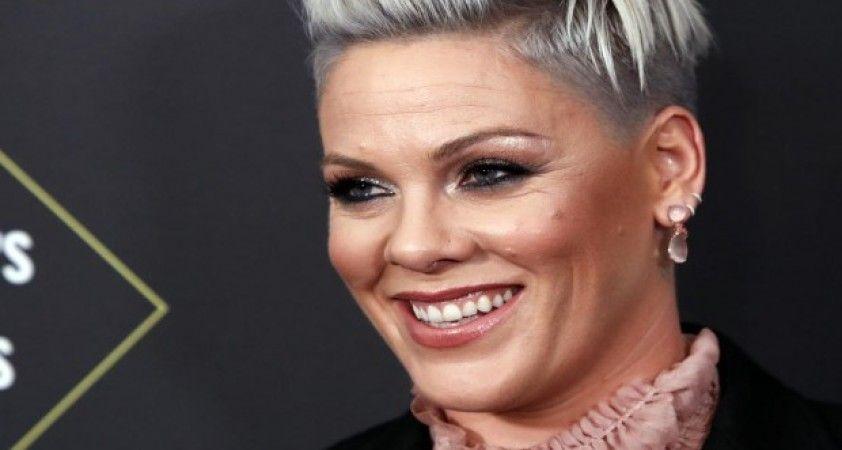 ABD'li ünlü şarkıcı Pink, oğluyla koronavirüse yakalandığını duyurdu