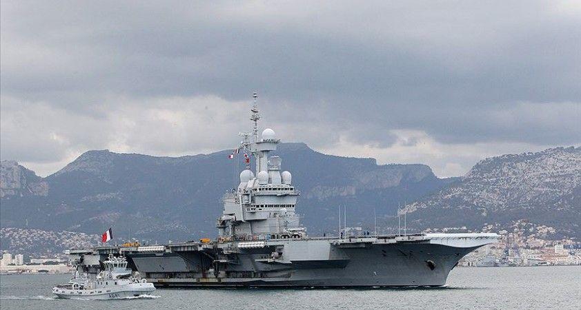 Fransa'nın Atlantik'teki uçak gemisi Charles de Gaulle, Kovid-19 şüphesiyle ülkeye dönüyor