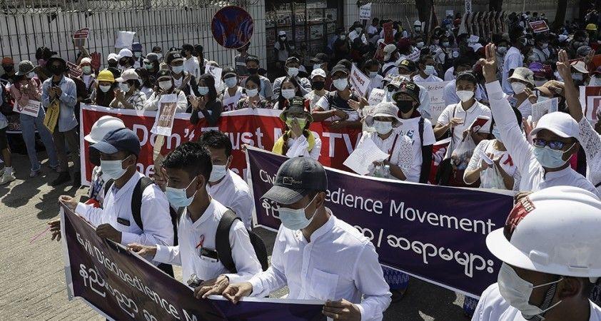 Myanmar'da güvenlik güçlerinden darbe karşıtlarına plastik mermili müdahale