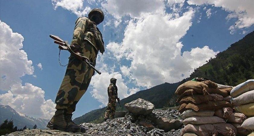 Çin ve Hint askerlerinin sınırda yeniden çatıştığı iddia edildi