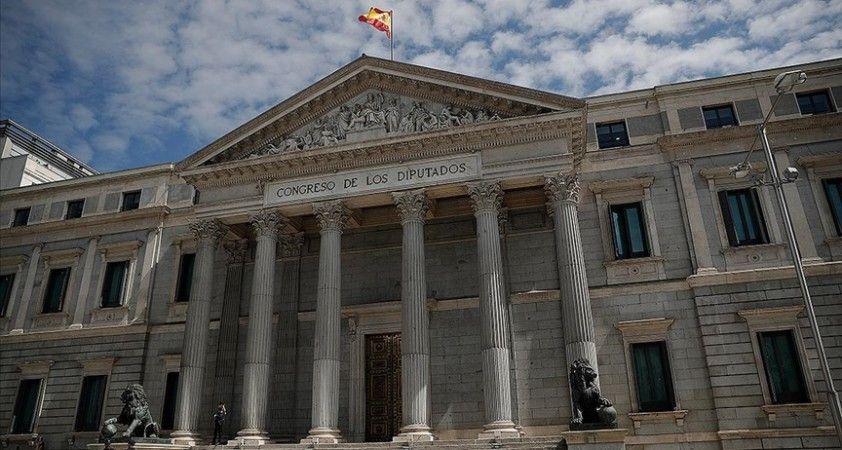 İspanya hükümeti bazı devlet kurumlarını başkent dışına çıkarmayı planlıyor