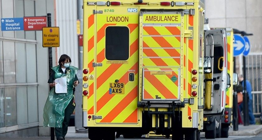 İngiltere'de Kovid-19 nedeniyle son 24 saatte 290 kişi hayatını kaybetti
